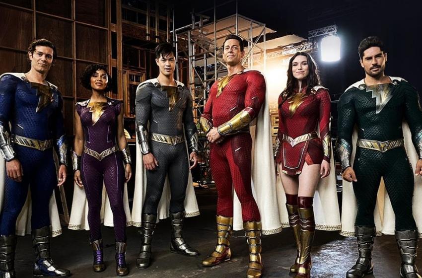 Diretor divulga imagem de Shazam! 2, revelando novos trajes dos heróis